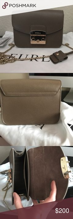 FURLA METROPOLIS bag FURLA METROPOLIS bag! Very beautiful dark beige color. Amazing quality. And in very good condition. Just a little scratches on the hardware other than that no damage or scratches. Furla Bags Crossbody Bags