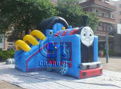 Choo Choo! Here comes the train! The inflatable thomas the train bounce house is great for school fun fairs, street festivals,church events,birthday parties and any other child-filled event. http://www.china-inflatables.com
