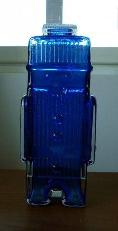 Helena Tynell: Maaherra-karahvi, sininen, 1970 Yves Klein Blue, Tom Of Finland, Lassi, Colored Glass, Royal Blue, Bottles, Nostalgia, Design, Eggs