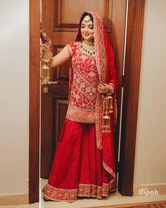 Punjabi Wedding Suit, Punjabi Bride, Wedding Suits, Wedding Attire, Sikh Bride, Indian Bride And Groom, Bride Suit, Bride Look, Bridal Poses