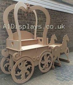 Princess Carriage Sweet Cart Ideal For Weddings - Candy Cart Cardboard Crafts, Wood Crafts, Diy And Crafts, Wood Projects, Projects To Try, Sweet Carts, Princess Carriage, Candy Cart, Flower Cart