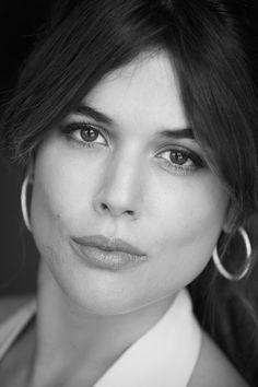 Adriana Ugarte Portraits, Spanish Artists, Actors & Actresses, Cinema, Hair Beauty, Beautiful Women, Celebs, Black And White, Makeup