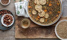 Crostata di farro e nocciole con ripieno di lenticchie