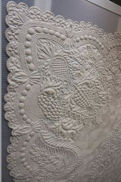 White whole cloth quilt from France. In Europe this is how they quilt .You don't see patch work like we have here . Patchwork Quilting, Quilt Stitching, Longarm Quilting, Free Motion Quilting, Hand Quilting, Hand Stitching, Antique Quilts, Vintage Quilts, Vintage Sewing