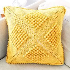 This is the third installment of my crocheting journey with the vintage popcorn stitch cushion cover. Crochet Pillow Cases, Crochet Cushion Cover, Crochet Pillow Pattern, Crochet Cushions, Crochet Quilt, Crochet Chart, Crochet Motif, Crochet Doilies, Crochet Patterns
