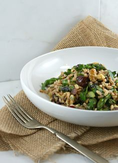 Farro, Date and Asparagus Salad with Mint Vinaigrette from @Lisa |Authentic Suburban Gourmet
