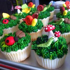 Matching cupcakes with acorns, mushrooms and critters