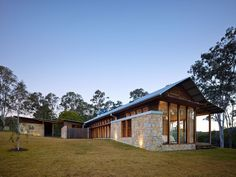 Image 35 of 35 from gallery of Hinterland House / Shaun Lockyer Architects. Photograph by Shaun Lockyer Architects Brisbane Architects, Parc Floral, Shed Homes, Residential Interior Design, River House, Facade House, Tiny House, Detached House, Modern Architecture
