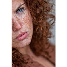 I love freckles! would love to have a daughter with red hair and tons of freckles! Beautiful Freckles, Beautiful Redhead, Beautiful Eyes, Beautiful People, Beautiful Red Hair, Naturally Beautiful, Beautiful Women, Portrait Photography Tips, Freckle Face