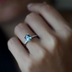 Safir ve pırlantalı tektaş, evlilik teklifi yüzüklerine güzel bir alternatif oldu ✨ #burcuokutwedding #tektaş #alyans #wedding #weddingring #engagement #engagementring #weddingdress #soloverly #bride #bridebook #love #instamood #bridetobe #brides #bridesmaids #istanbul #moda #fashionblogger #fashion #ojesizgezmeyenlerkulubu #gününfotosu #düğün #nişan #gelin #gelinlik #instagram #instacool #kadikoysokak