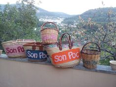 Las cestas de Son Poc, finca en Bunyola (Mallorca), puedes personalizar las cestas con el nombre de tu hotel, casa o finca....