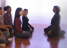 The UCLA Mindful Awareness Research Center has many classes to choose from from a few hours to full-day retreats. Excellent ways to learn about forming a mindful practice. Research Centre, Namaste, Chakra, Mental Health, Spirituality, Mindfulness, Yoga, Couple Photos, Learning