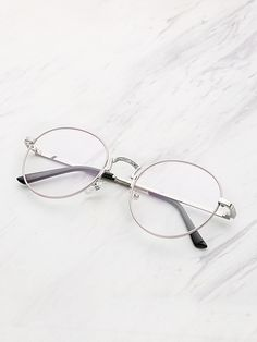 To find out about the Metal Frame Clear Lens Round Glasses at SHEIN, part of our latest Sunglasses ready to shop online today! Glasses Frames Trendy, Cool Glasses, New Glasses, Glasses Online, Lunette Style, Fashion Eye Glasses, Womens Glasses, Eyewear, Lens