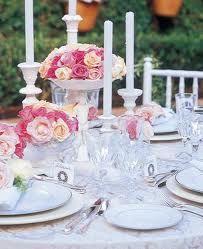 Casamentos ao entardecer pedem cores delicadas. E quando a noite começar a cair, nada melhor que o charme das velas.