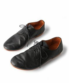And A KOMONO(アンドエーコモノ)のPLAIN TOE SHOES And A EX (ARCOLLETTA PADRONE)(その他シューズ)|ブラック
