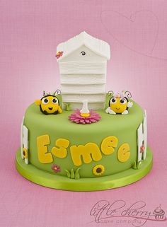 The Hive Cake; like the top, combine with other cake?