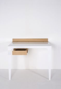 halb2 / wall desk / cooperation project carpenter / South Tyrol / www.schoenheinz-design.com