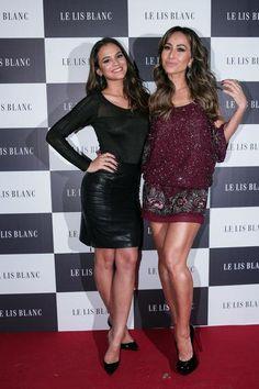 Bruna Marquezine e Sabrina Sato Sabrina Sato, Kendall Jenner, Kim Kardashian, Bruna Marquezini, Foto E Video, Pop Culture, Ideias Fashion, Leather Skirt, Formal Dresses