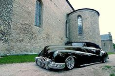 46 buick ...hardly ever see a buick custom