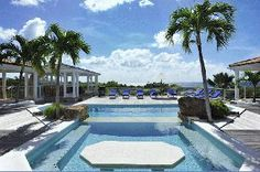 Luxury Villa Vacation Rentals with private pool - St Martin - Terres Basses - FWI     The open design of this sprawling hillside villa blurs the line between inside and outside.    http://www.vacation-key.com/location_6806.html