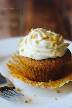 Pumpkin spice cupcakes recipe - PERFECT pumpkin cupcakes!