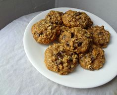 The Cooking Actress: Healthy Oatmeal Chocolate Chip Cookies . with applesauce Healthy Cooking, Healthy Snacks, Cooking Recipes, Healthy Recipes, Healthy Eating, Yummy Recipes, Skinny Recipes, Healthy Desserts, Sweet Recipes