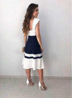 Moda fashion glamour midi skirts Ideas for 2019 Beautiful Casual Dresses, Elegant Outfit, Stylish Dresses, Fashion Dresses, Classy Outfits, Stylish Outfits, Jw Mode, Pakistani Outfits, White Fashion