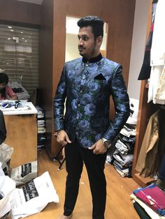 Nehru Jacket For Men, Waistcoat Men, Nehru Jackets, Lehenga Wedding, Wedding Sherwani, Wedding Dress Men, Wedding Men, Indian Men Fashion, Mens Fashion