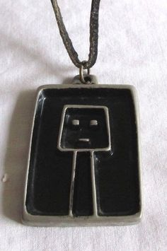 VINTAGE ESTATE 3 CROWN TENN STAMPED MAN TALISMAN PEWTER/BLACK ENAMEL NECKLACE