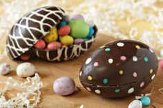 A list of Easter candy recipes, from Easter Egg recipes to homemade marshmallow Peeps to candy bird& nests. In addition to Easter candies, there are also lots of Spring candy recipes with light, fruity, and floral flavors. Panoramic Sugar Easter Eggs, Sugar Eggs For Easter, Easter Egg Candy, Making Easter Eggs, Easter Cookies, Easter Treats, Easter Gift, Easter Peanut Butter Eggs, Candy Cookies