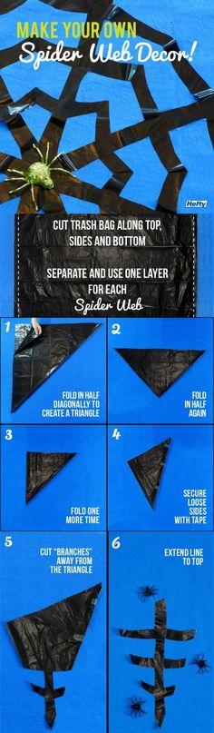 Halloween Deko muss nicht teuer sein. Einfach Müllsäcke in Spinnennetze verwandeln! #diy