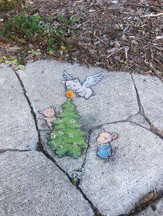 http://zinnart.com/2013/12/06/seasonal-chalk-art-gallery/