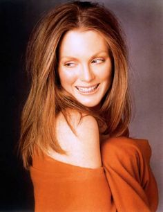 Julianne Moore thinking about going back to this hair color   I love it