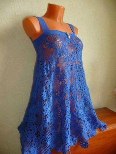 I love to crochet. I love to search out pictures of crochet as inspiration for future projects. Tunic Dress Patterns, Clothing Patterns, Crochet Blouse, Crochet Lace, Crochet Motif, Lace Tunic, Crochet Woman, Crochet Clothes, Dress Skirt
