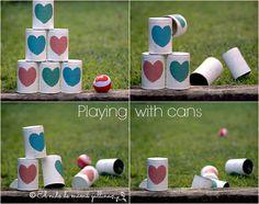 Jugando con latas- Playing with cans