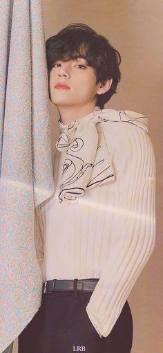 Jung So Min, Foto Bts, Taehyung Photoshoot, Bts Twt, V Bts Wallpaper, Kim Taehyung, Bts Korea, Bts Lockscreen, Album Bts
