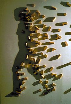 Shadow Art by Kumi Yamashita Oh man! This is cool