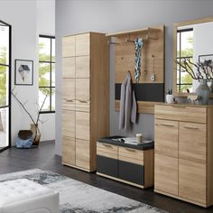 Krásný předsíňový nábytek v moderní kontrastní kombinaci dubového přírodního dřeva a temného grafitu. Samostatně zakoupitelné elementy. Divider, Room, Furniture, Home Decor, Bedroom, Decoration Home, Room Decor, Rooms, Home Furnishings