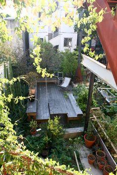 yvonne mouser - backyard  via Sfgirlbybay