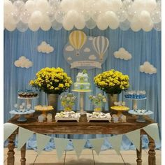"""""""Chá de fraldas do Lucas, com a nossa mobília e peças, decorado pela mamãe @gleydybarros  Parabéns Gleyde,  ficou Lindooooooo. .."""""""