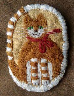 "Елена Пинталь. ""Котик"" Plant Fibres, Textile Art, Fiber Art, Decorative Plates, Textiles, Wool, Embroidery, Holiday Decor, Fabric"