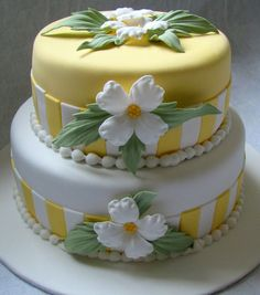 Yellow and white cake design with flowers. So bright and cheery Gorgeous Cakes, Pretty Cakes, Cute Cakes, Amazing Cakes, Take The Cake, Love Cake, Fondant Cakes, Cupcake Cakes, Decoration Patisserie