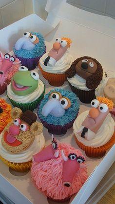 Too cute! I love Beeker. #cupcakes #cupcakeideas #cupcakerecipes #food #yummy #sweet #delicious #cupcake