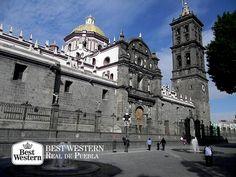 """EL MEJOR HOTEL EN PUEBLA. Cuando la gente dice """"¡Qué chula es Puebla!"""" es porque conocen las razones que dan pauta a ese concepto. Una de ellas es el Centro Histórico de la ciudad, el cual cuenta con más de 2 mil monumentos alrededor de 6.9 kilómetros cuadrados; esto la convierte en una de las ciudades con más monumentos de América. En Best Western Real de Puebla, le invitamos a hospedarse con nosotros y descubrir los sitios más representativos del estado. #hotelenpuebla"""