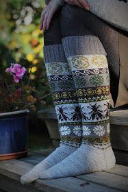 Ravelry: Project Gallery for Loistavat niityt – Great Meadows (Muhu Socks) pattern by Tiina Kaarela Wool Socks, My Socks, Fair Isle Knitting, Knitting Socks, Bees Knees, Queen Bees, Crafts To Do, Pullover, Leg Warmers
