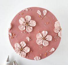 Cake Decorating Frosting, Cake Decorating Designs, Cake Decorating Techniques, Simple Cake Decorating, Pretty Birthday Cakes, Pretty Cakes, Beautiful Cakes, Simple Cake Designs, Korean Cake