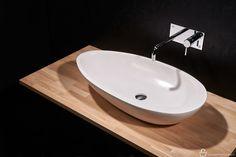 Kylpyhuoneen monumentaalinen kaunistus vai lempeä pesä pienen lapsen pesemiseen? Meistä Durat Vati on molempia! Kierrätettävä, osittain kierrätysmuovista valmistettu Durat - materiaali on tarvittaessa myös huollettavissa hiomalla‼️♻️ #lviverkkokauppa #duratdesign #solidsurface #duratvati #pesuallas