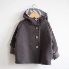 Die perfekte Jacke für die Übergangszeit. Schön warm, aber nicht voluminös! Und ist das nicht eine tolle Farbe?!