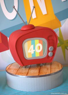 Retro TV Cake for your Emmy Party 40th Birthday Party Themes, Retro Birthday Parties, Picnic Birthday, 50th Birthday, Birthday Ideas, Birthday Cake, Unique Cakes, Creative Cakes, Gorgeous Cakes