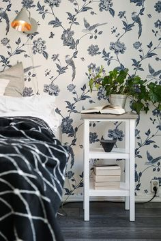 Post: Contraste de estampados en el dormitorio ---> blog decoración nórdica, Contraste de estampados, Decoración de interiores, decoracion dormitorios, Diseño de interiores, estilo femenino, estilo y diseño nórdico escandinavo, interiores espacios pequeños, papel de pared, recursos decoración